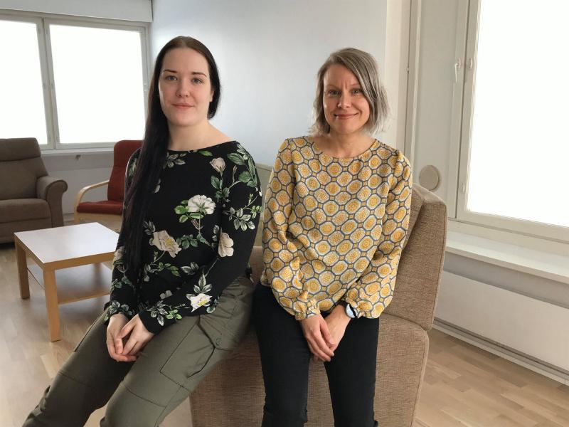 Kuvassa ovat toiminnanohjaaja Iiris Pitkämäki ja koordinaattori Anni Rekilä.